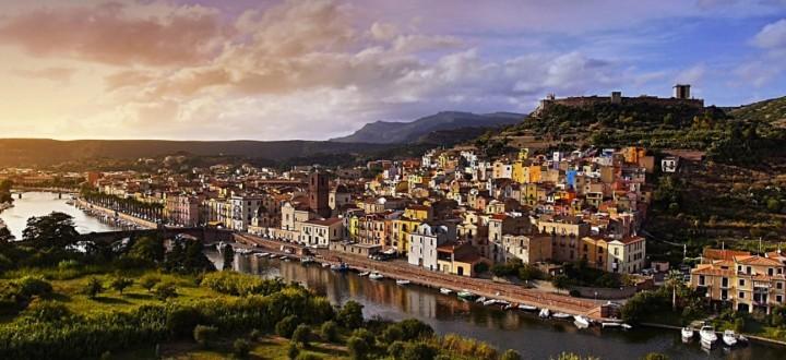 Il borgo di Bosa - Foto di Giancarlo Valentini